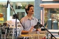 Jorge performing