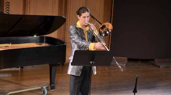Christopher Bill performing